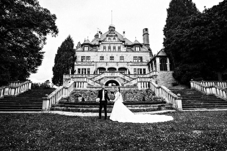 Ich bin Hochzeitsfotograf aus Leidenschaft und glaube, dass auch eure Geschichte erzählt werden muss! Romantische Hochzeitsfotos für die moderne Braut